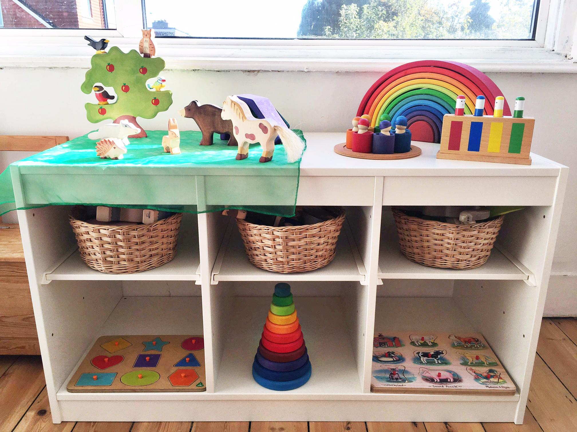 Mobili Per Giochi Bambini : Mobili montessori dove esporre i giochi dei nostri bambini